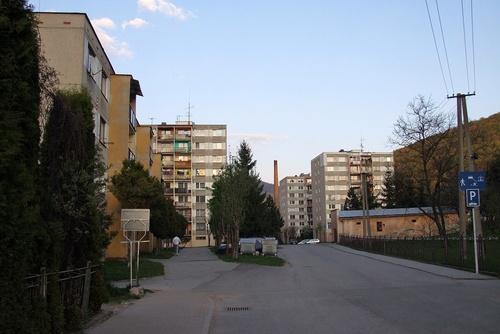 Jarková ulica , sídlisko Rozkvet.