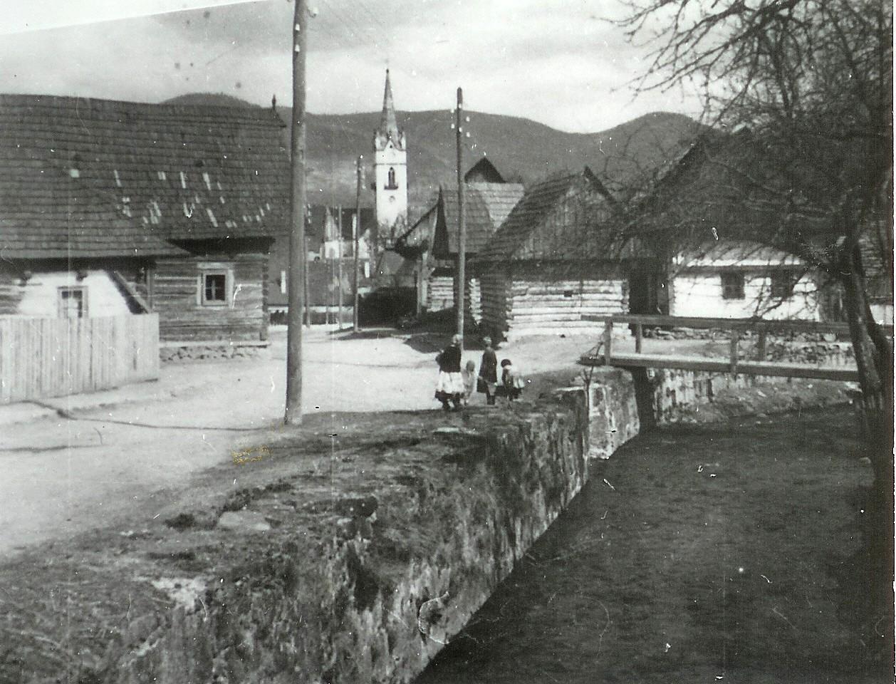 Domy na Tureckej ulici, dobová fotografia asi pred r. 1950
